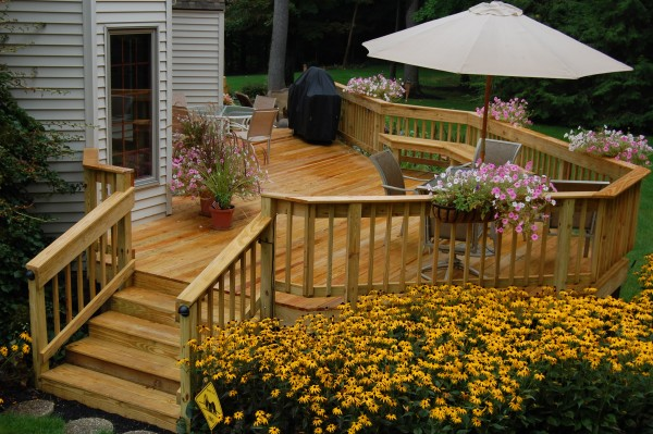 Examples of deck remodeling jobs